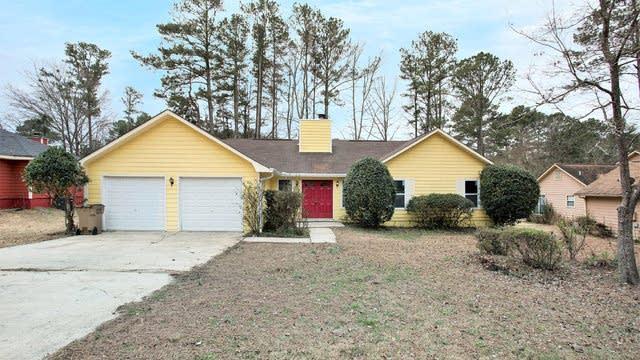 Photo 1 of 15 - 828 Darlington Dr, Jonesboro, GA 30238