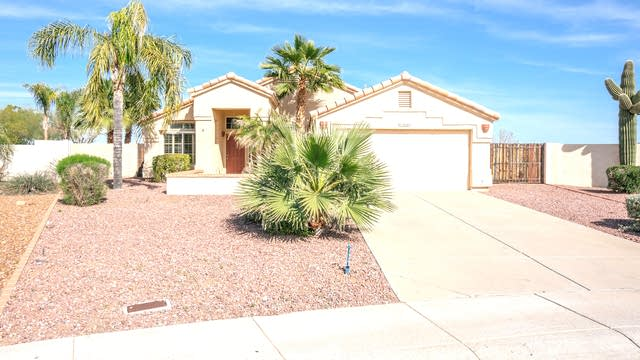 Photo 1 of 26 - 5541 N 103rd Dr, Glendale, AZ 85307
