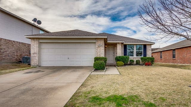 Photo 1 of 23 - 1005 Willow Tree Dr, McKinney, TX 75071