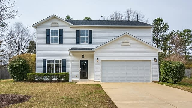 Photo 1 of 21 - 212 Mizelle Meadow Ct, Holly Springs, NC 27540