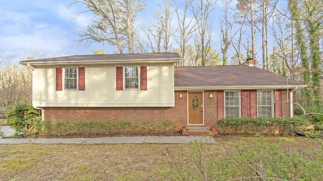 Photo 1 of 17 - 614 Willowgreen Ct SE, Conyers, GA 30094