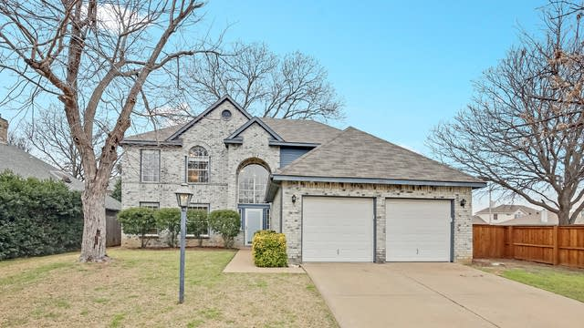 Photo 1 of 25 - 7600 Meadowlark Dr, Fort Worth, TX 76133