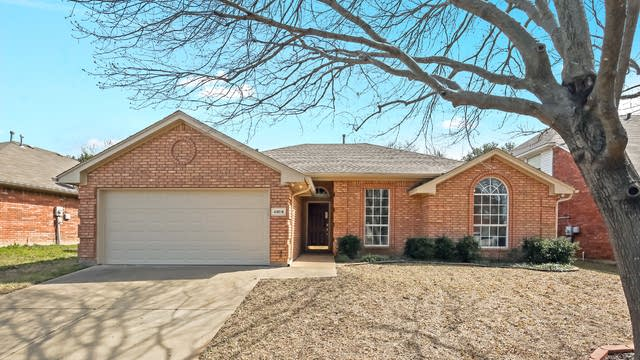 Photo 1 of 25 - 4804 Barberry Dr, Fort Worth, TX 76133