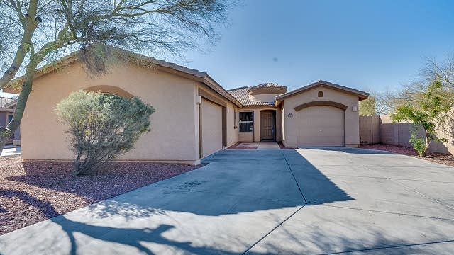 Photo 1 of 20 - 2537 W Darrel Rd, Phoenix, AZ 85041