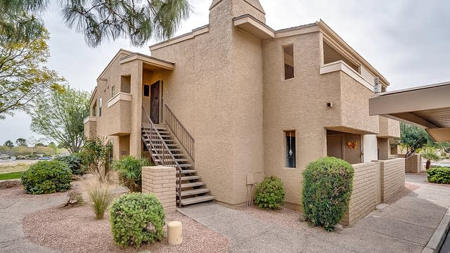 Photo 1 of 17 - 7950 E Starlight Way #220, Scottsdale, AZ 85250