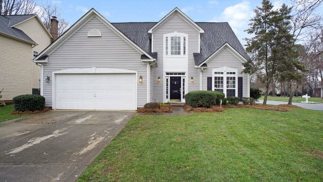 Photo 1 of 16 - 9100 Whittel Pl, Charlotte, NC 28216