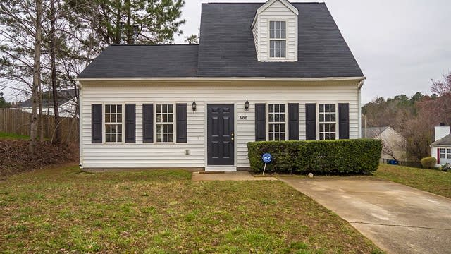 Photo 1 of 15 - 600 Parkander Ct, Raleigh, NC 27603