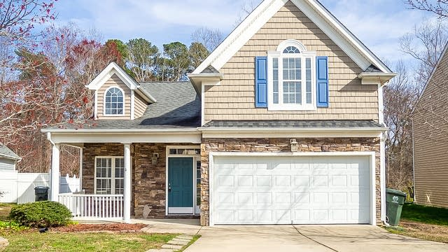 Photo 1 of 27 - 8004 Willowglen Dr, Raleigh, NC 27616