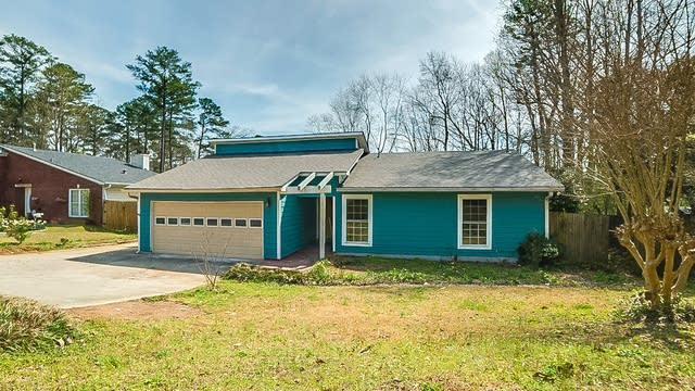 Photo 1 of 16 - 923 Dickens Rd NW, Lilburn, GA 30047