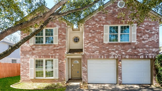 Photo 1 of 25 - 2633 Poplar Grove Ln, Schertz, TX 78154