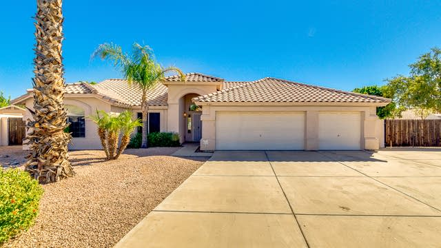 Photo 1 of 30 - 8145 E Dover St, Mesa, AZ 85207