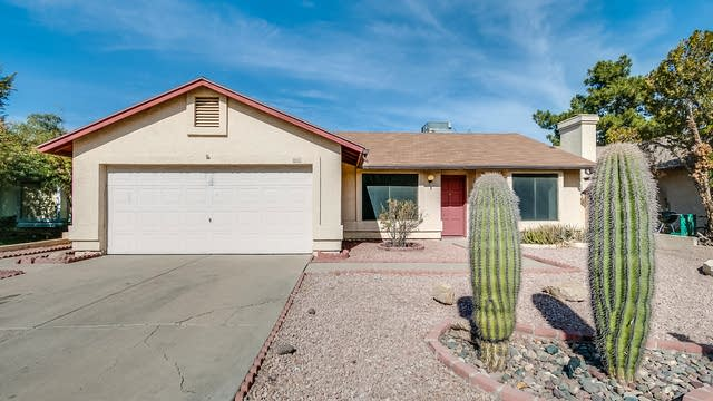 Photo 1 of 28 - 8826 W Wilshire Dr, Phoenix, AZ 85037
