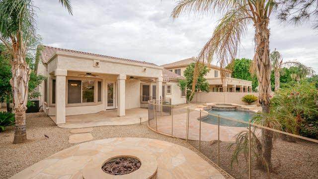 Photo 1 of 32 - 5992 W Kerry Ln, Glendale, AZ 85308