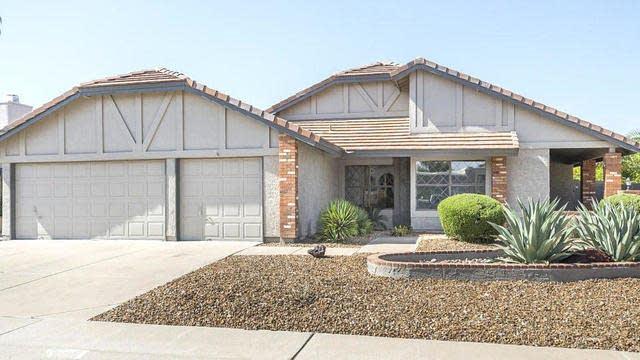 Photo 1 of 26 - 3908 E Tonto St, Phoenix, AZ 85044
