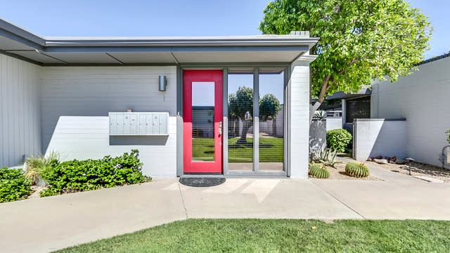 Photo 1 of 18 - 4208 N 38th St Unit I, Phoenix, AZ 85018