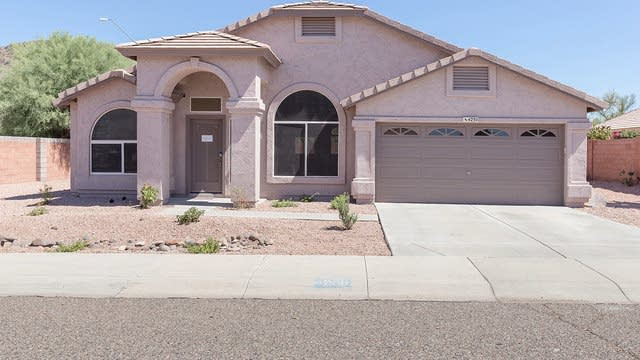 Photo 1 of 20 - 4230 W Escuda Dr, Glendale, AZ 85308