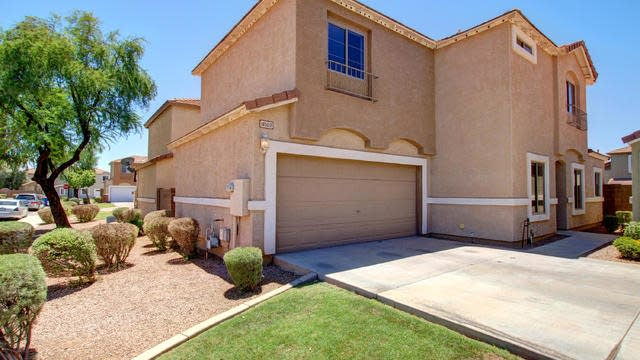 Photo 1 of 25 - 1450 S Red Rock Ct Unit D, Gilbert, AZ 85296
