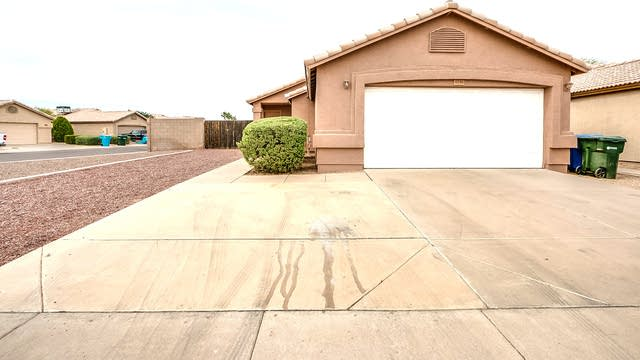 Photo 1 of 19 - 3246 W Abraham Ln, Phoenix, AZ 85027