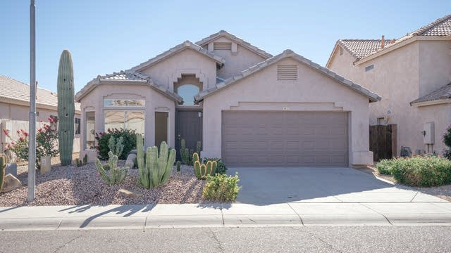 Photo 1 of 27 - 917 E Montoya Ln, Phoenix, AZ 85024