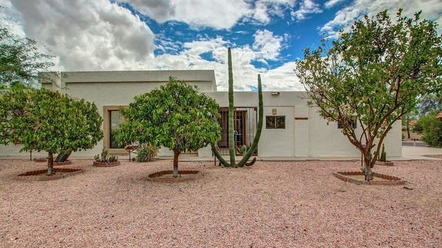 Photo 1 of 23 - 2609 N Doral Cir, Mesa, AZ 85215