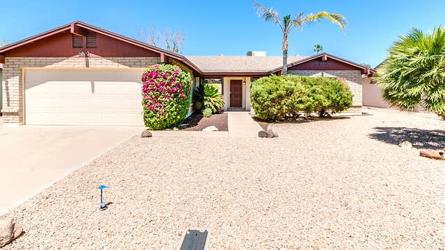 Photo 1 of 33 - 5820 W Shangri La Rd, Glendale, AZ 85304