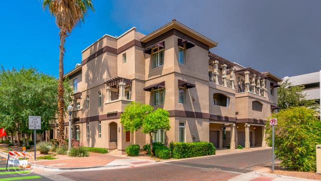 Photo 1 of 33 - 241 W Portland St, Phoenix, AZ 85003