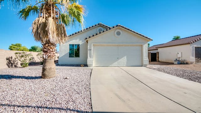 Photo 1 of 25 - 1268 W 7th Ave, Apache Junction, AZ 85120