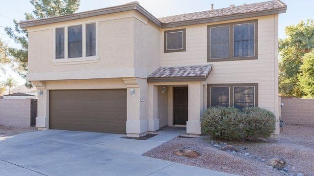 Photo 1 of 26 - 405 W Fabens Ln, Gilbert, AZ 85233