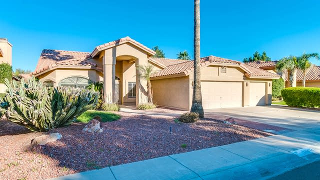 Photo 1 of 42 - 10922 W Bermuda Dr, Avondale, AZ 85392