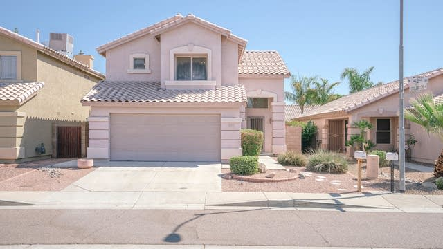 Photo 1 of 30 - 17215 N 42nd St, Phoenix, AZ 85032