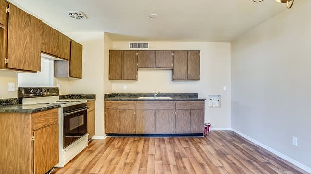 Photo 1 of 24 - 4734 W Redfield Rd, Glendale, AZ 85306