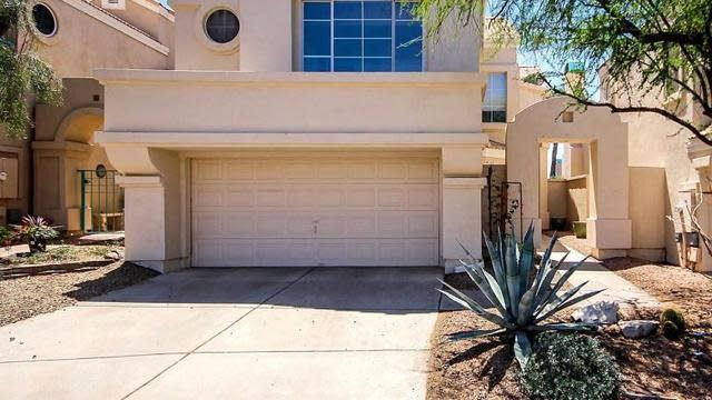 Photo 1 of 23 - 1147 E Amberwood Dr, Phoenix, AZ 85048