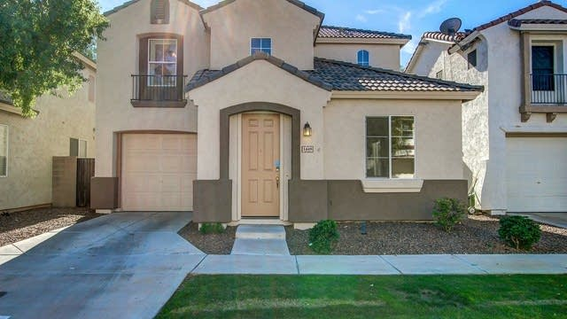 Photo 1 of 23 - 1449 E Chipman Rd, Phoenix, AZ 85040