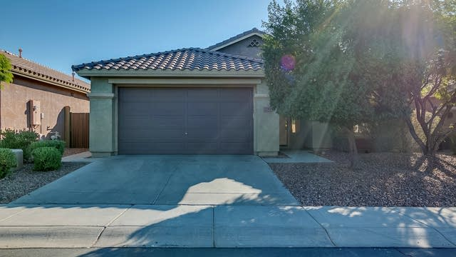 Photo 1 of 25 - 2742 W Steinbeck Ct, Anthem, AZ 85086