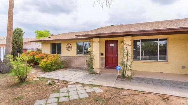 Photo 1 of 22 - 2937 E Sylvia St, Phoenix, AZ 85032