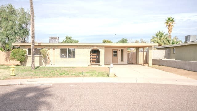 Photo 1 of 30 - 3030 W Shaw Butte Dr, Phoenix, AZ 85029