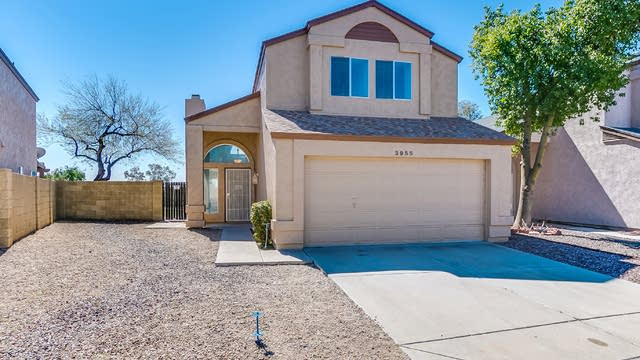 Photo 1 of 34 - 3955 W Electra Ln, Glendale, AZ 85310