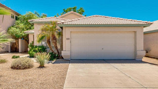 Photo 1 of 25 - 147 W Muriel Dr, Phoenix, AZ 85023