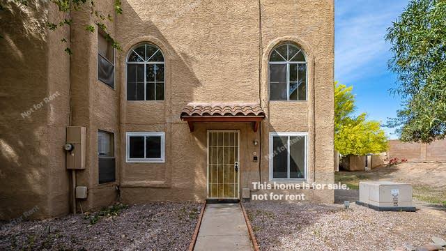 Photo 1 of 15 - 10015 N 14th St #8, Phoenix, AZ 85020