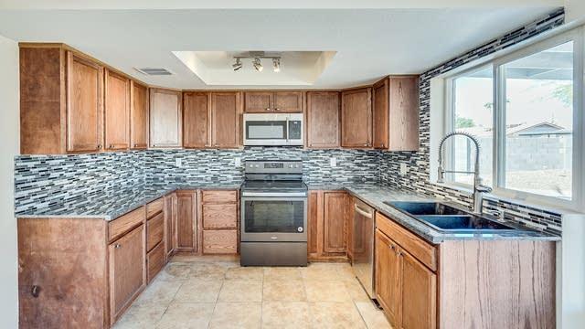 Photo 1 of 12 - 1516 W Escuda Rd, Phoenix, AZ 85027