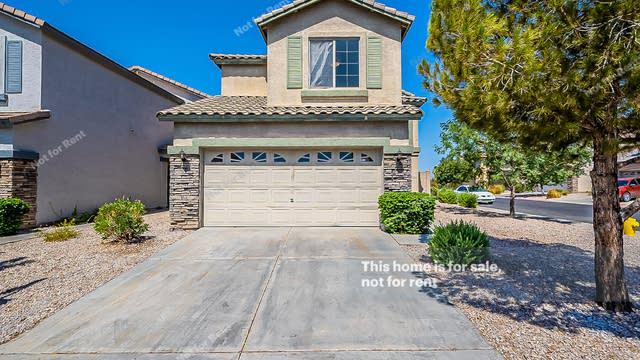 Photo 1 of 20 - 2064 N 30th St, Mesa, AZ 85213