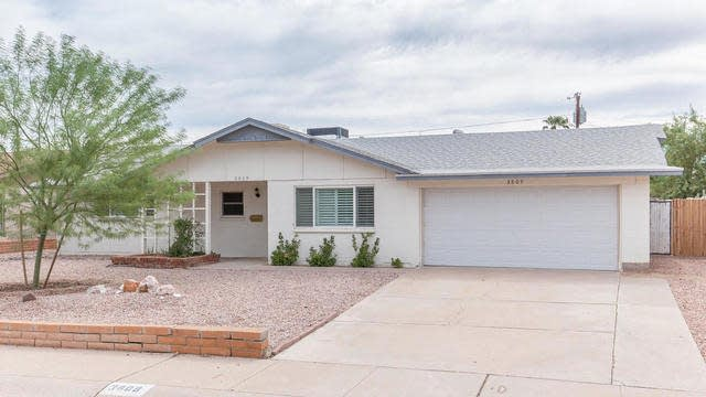 Photo 1 of 25 - 3809 E Shangri La Rd, Phoenix, AZ 85028