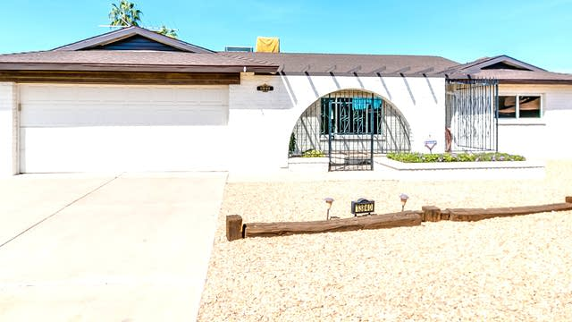 Photo 1 of 37 - 13840 N 52nd Dr, Glendale, AZ 85306