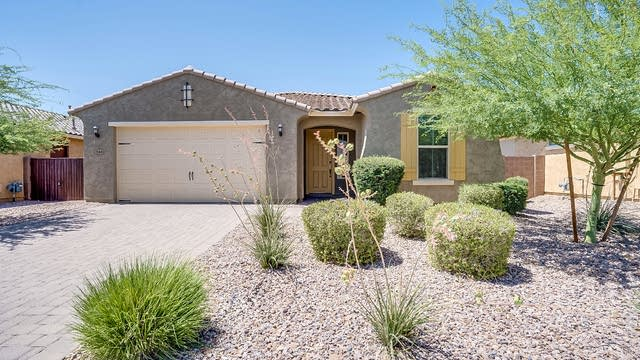 Photo 1 of 22 - 2644 E Daniel Dr, Gilbert, AZ 85142