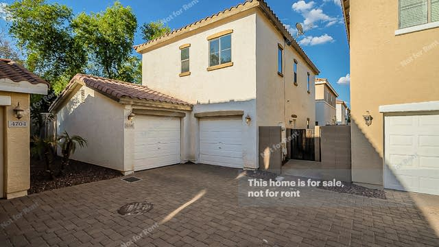 Photo 1 of 34 - 4708 E Laurel Ave, Gilbert, AZ 85234