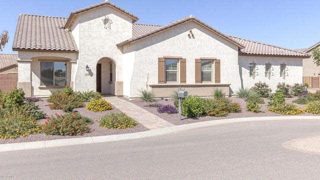 Photo 1 of 27 - 21976 E Silver Creek Ct, Queen Creek, AZ 85142