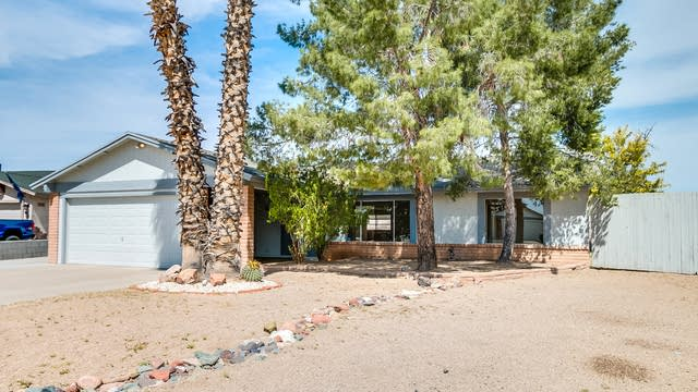 Photo 1 of 29 - 8 W Topeka Dr, Phoenix, AZ 85027