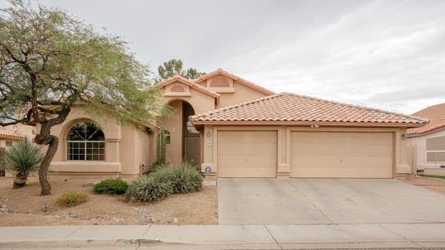 Photo 1 of 28 - 9923 N 58th Dr, Glendale, AZ 85302