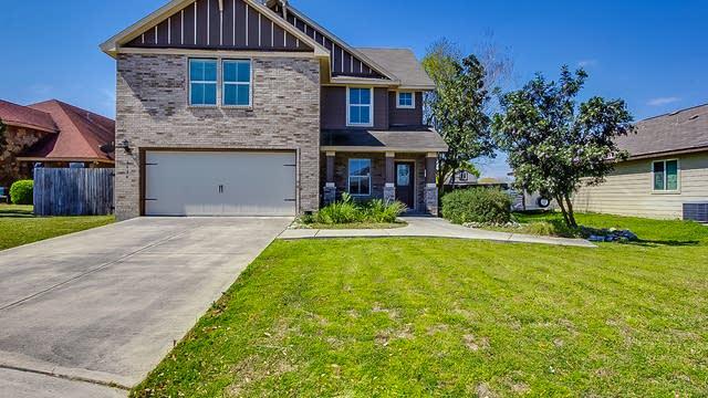 Photo 1 of 16 - 2024 N Ranch Estates Blvd, New Braunfels, TX 78130