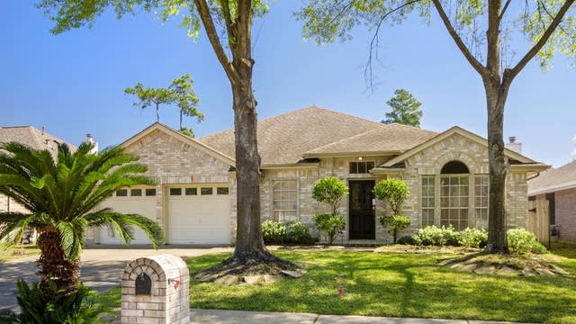 Photo 1 of 25 - 15910 Timber Grove Ct, Tomball, TX 77377